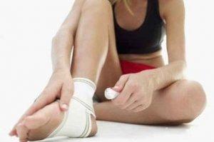 Опухают суставы на руках и ногах причины